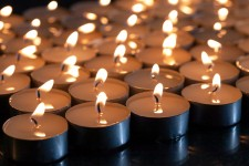 Каждый может зажечь свечу онлайн в память о погибших в Великой Отечественной войне и помочь ветеранам в рамках всероссийской акции «Свеча Памяти»